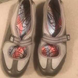 Skechers Velcro strap Tennie's